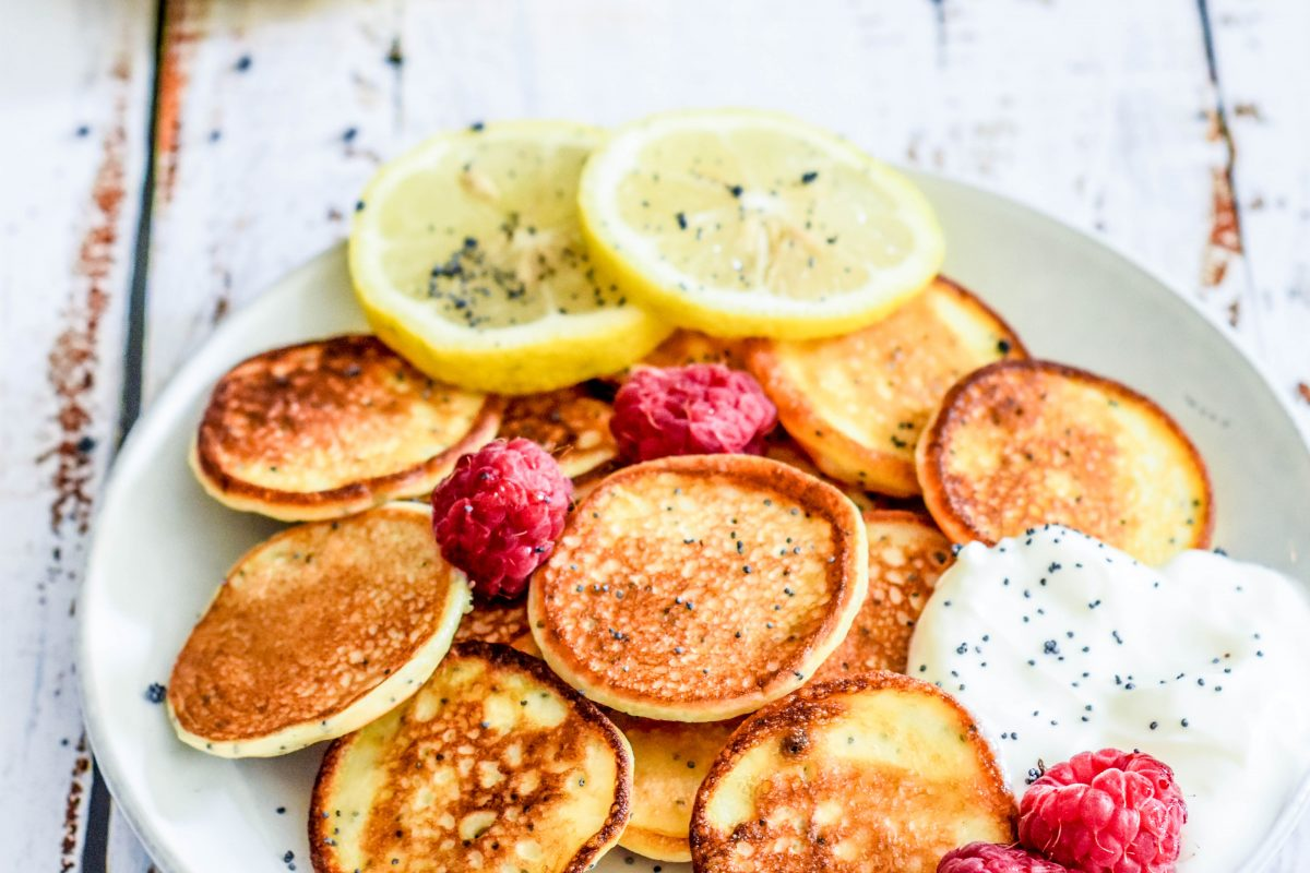 lemon poppyseed kwark poffertjes