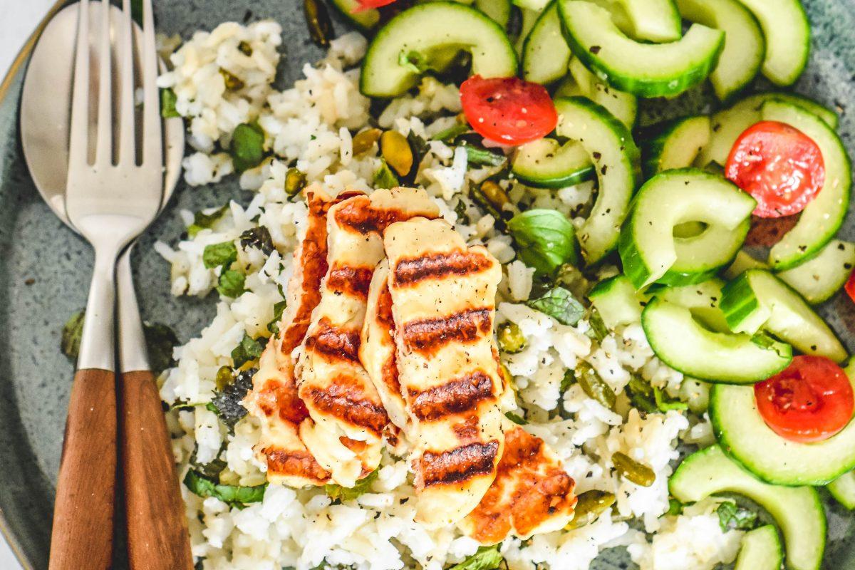 Rijstsalade met munt en halloumi 1
