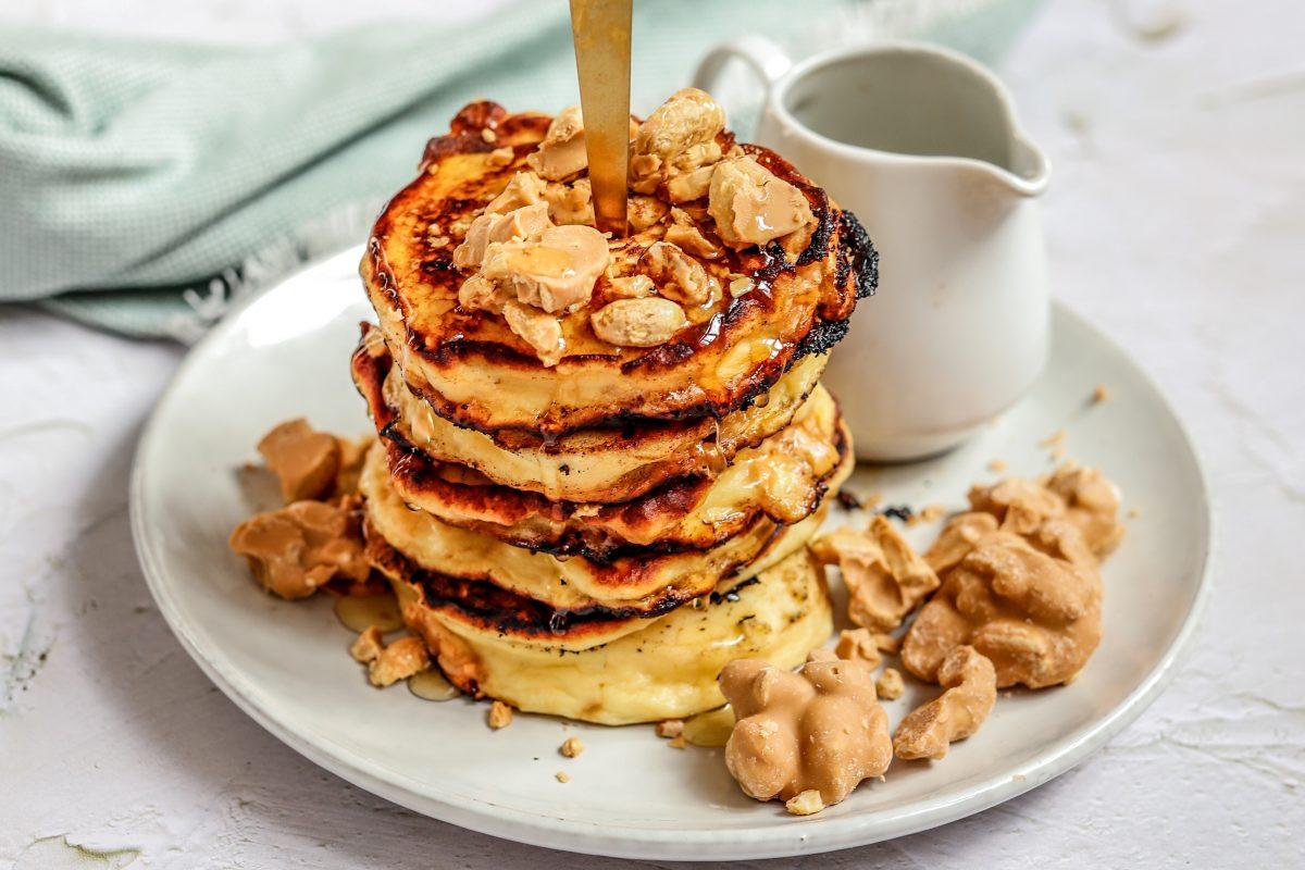 Sticky caramel pannenkoeken