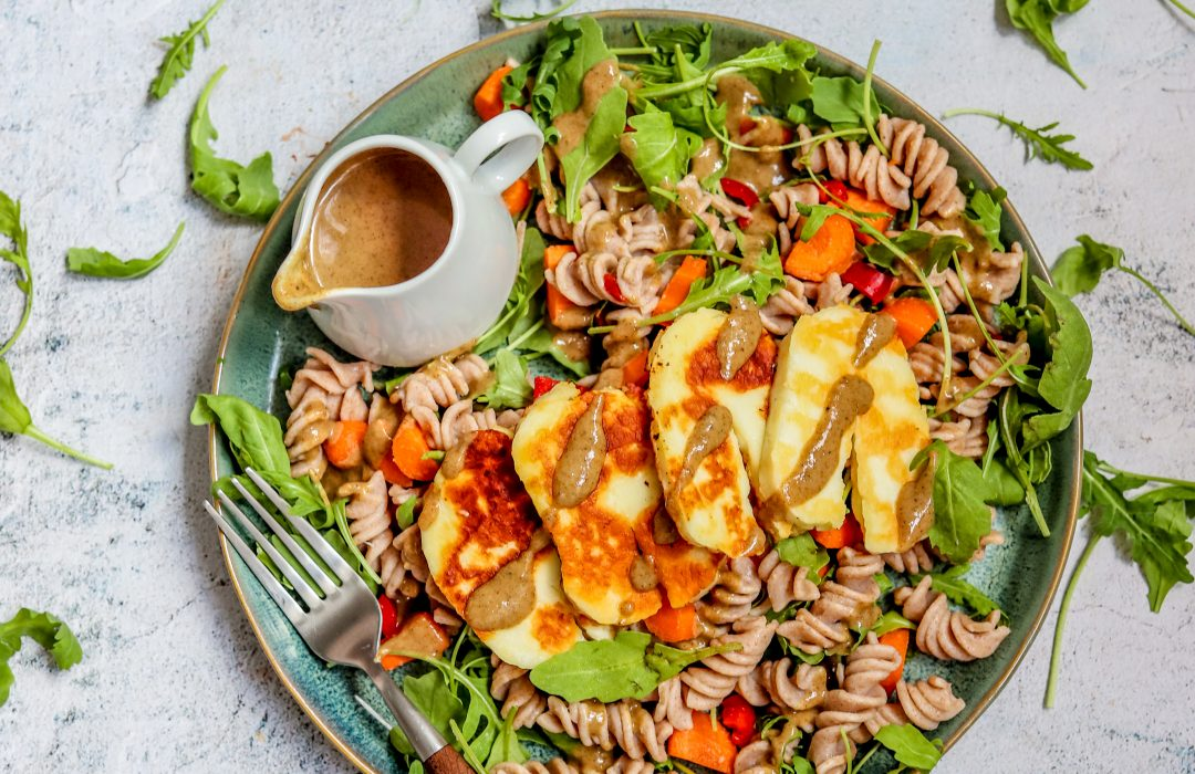 Pasta salade halloumi en tahini dressing (5)