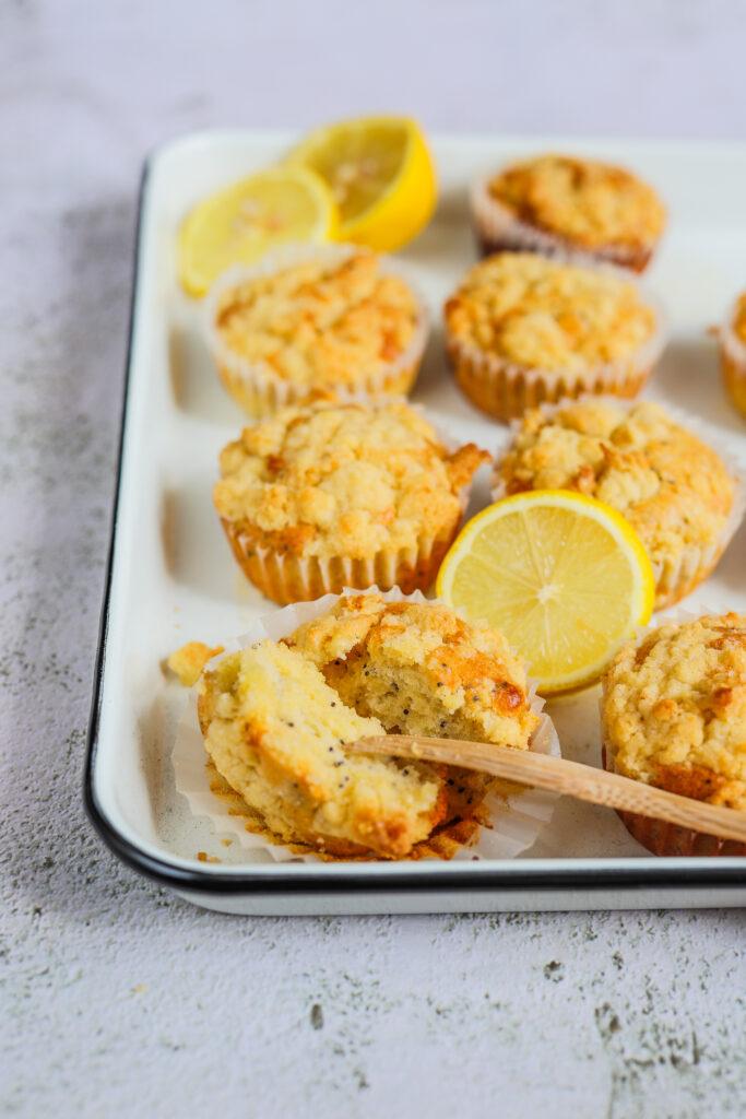 Lemon crumble cupcakes